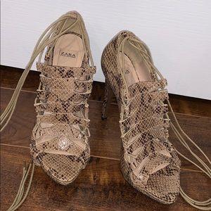 Size 7 Snakeskin heels